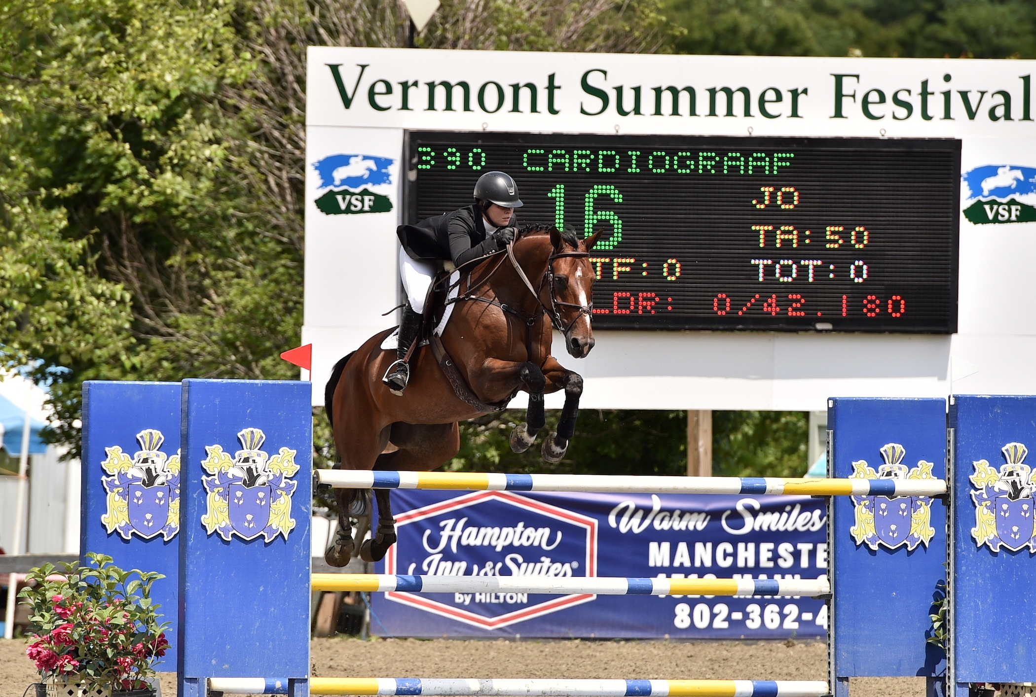 Alexandra Carlton and Cardiograaf scored their first grand prix win together in the $30,000 Mount Equinox Grand Prix, presented by Hampton Inn & Suites Manchester, on Saturday, July 28, at the 25th annual Vermont Summer Festival in East Dorset, VT.<br><b>Photo by <a href='http://www.andrewryback.com/' target='_blank'>Andrew Ryback Photography</a></b>