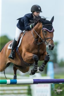 Lucy Deslauriers Wins $100,000 CSI3* Grand Prix at Ottawa International